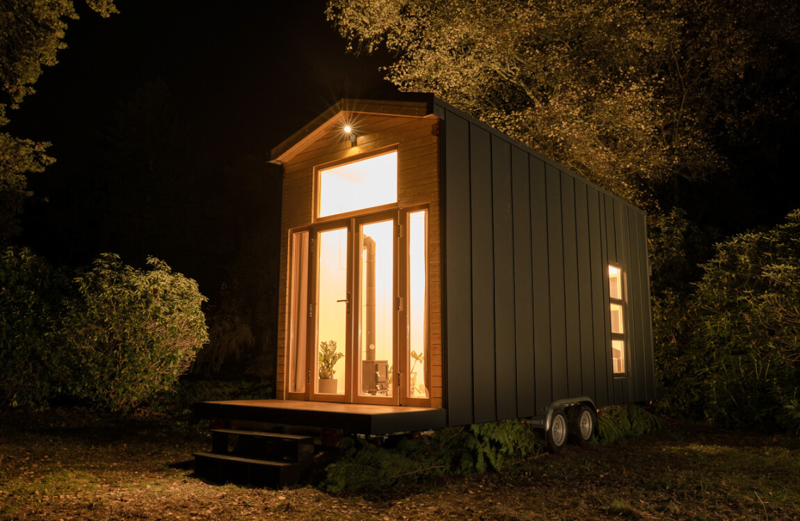 Overnight stay in a mini house