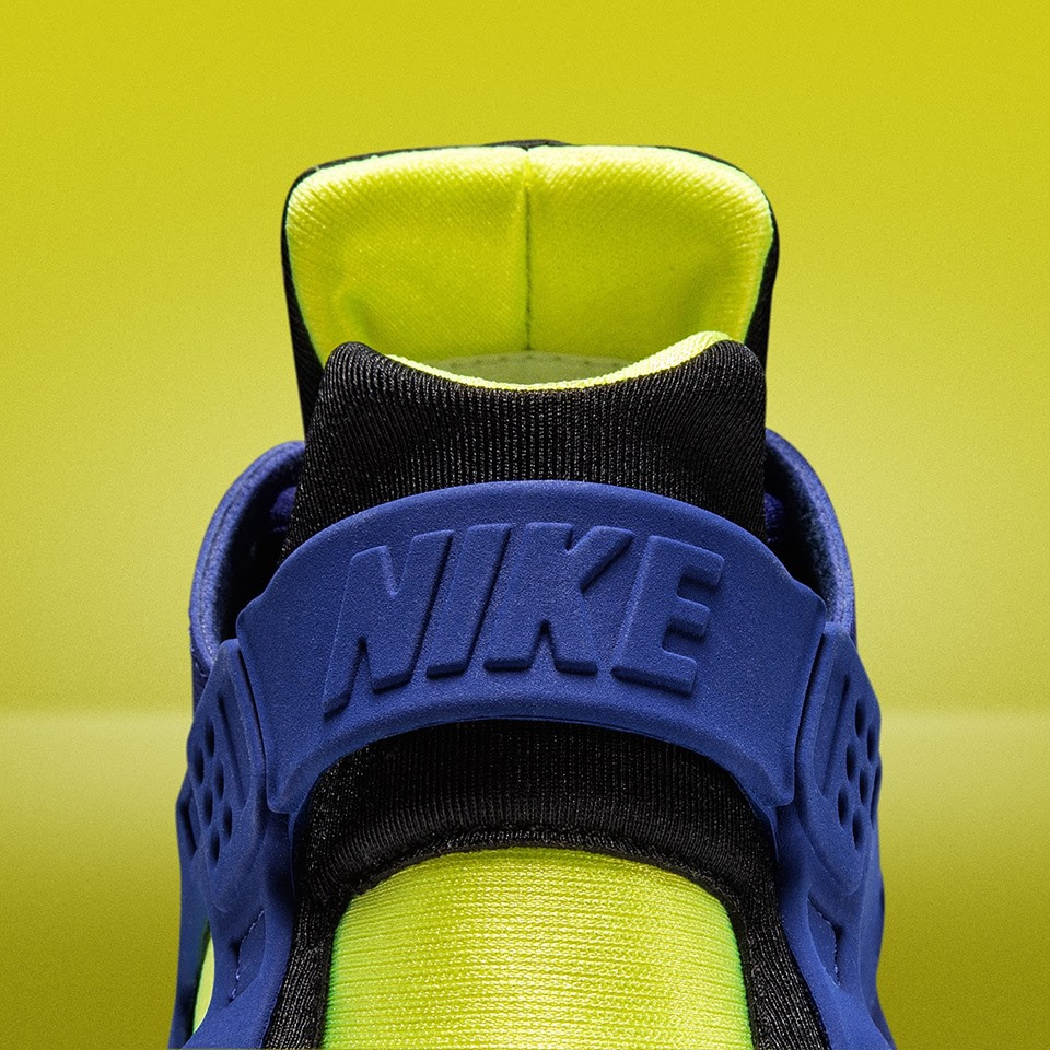 "Nike Air Huarache WMNS ""Deep Royal/Volt"""