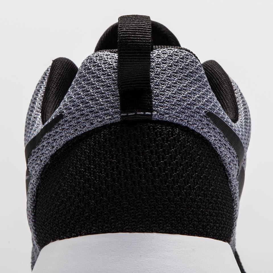 watch e2fd8 e4790 Neu bei JD Sports – Nike Roshe One (black/black/grey ...